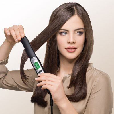 4-braun-satin-hair-7-st710-straightener-in-use